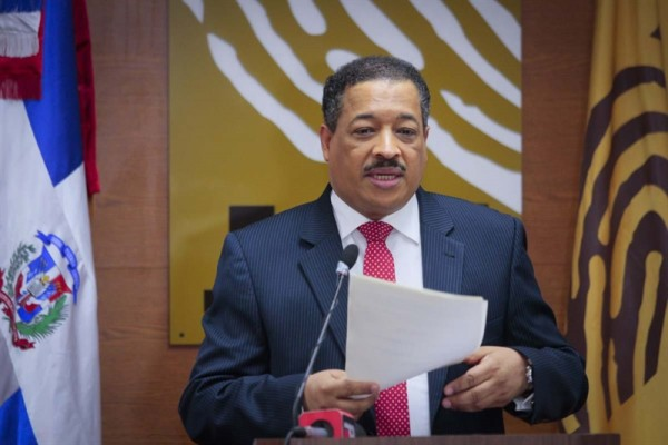 El presidente de la JCE elogia el civismo de la población durante las elecciones