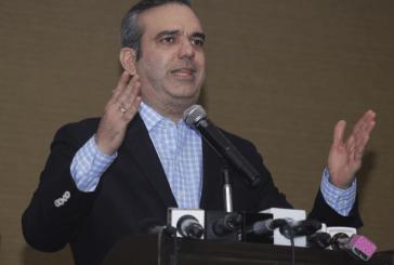 Abinader exhorta a glorificar héroes de junio trabajando por un país con democracia real