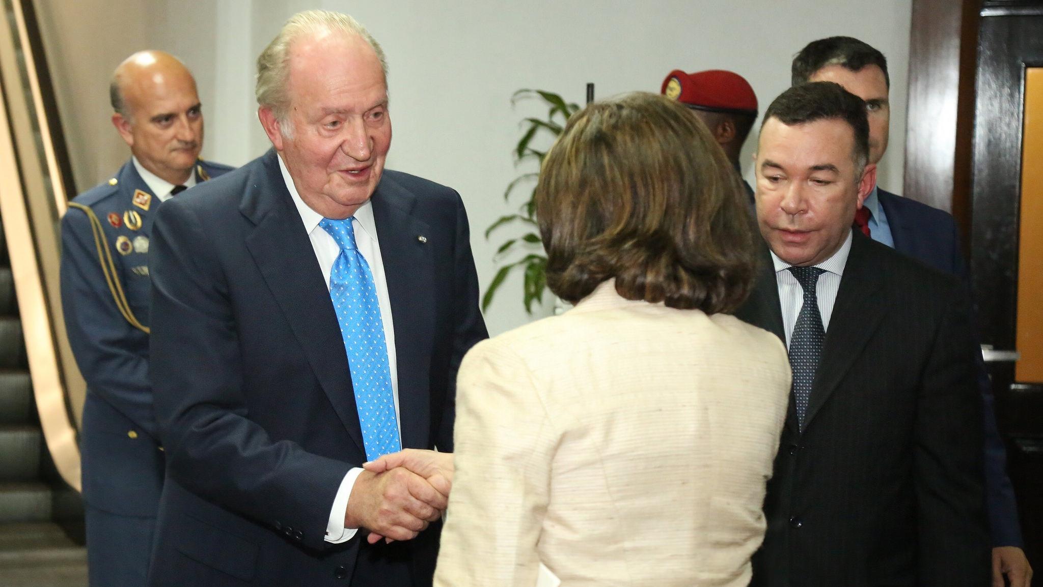Rey emérito de España arribó a RD para actos juramentación Danilo Medina