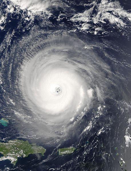 COE advierte evacuaciones son obligatorias; lluvias de Matthew serán abundantes