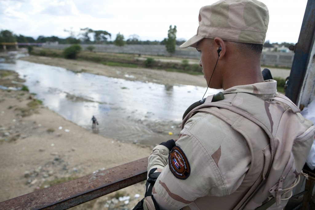 Activan todos los controles de  vigilancia en la frontera tras fuga de reos cárcel de Haití