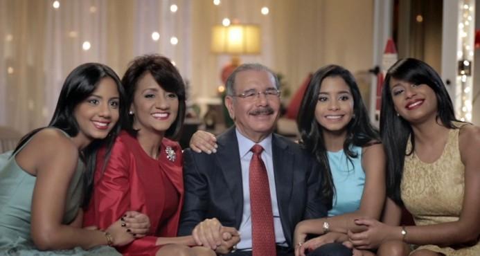 """Danilo desea a las familias dominicanas """"una Navidad sin sobresaltos"""""""