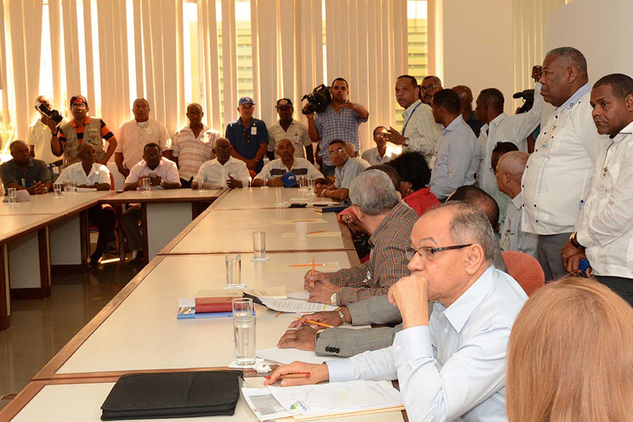 Patronos piden rediscutir tarifa aprobada por Comité Nacional de Salarios