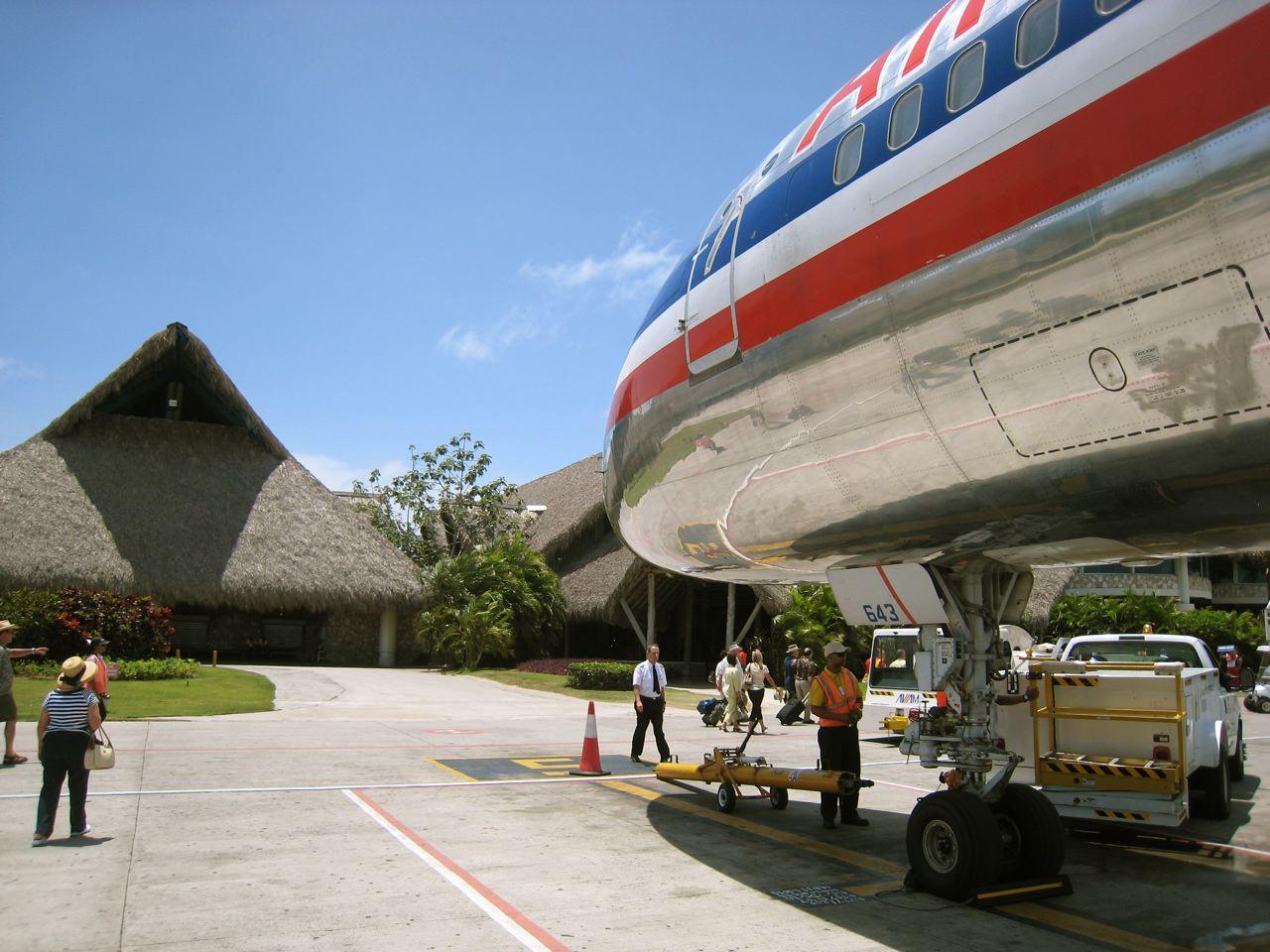 Reabre aeropuerto internacional de Punta Cana