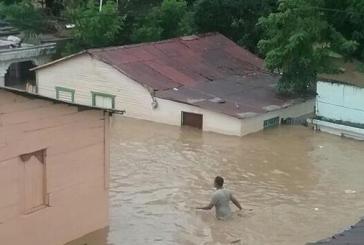 COE ordena evacuación obligatoria en 27 provincias en alerta por lluvias