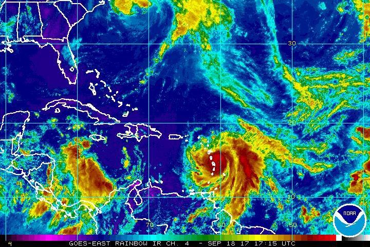Activan plan de contingencia en aeropuertos por posible paso del huracán María