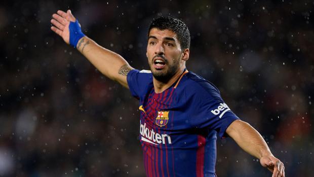 Luis Suárez, al borde del llanto por compañero que se quedó fuera del Mundial
