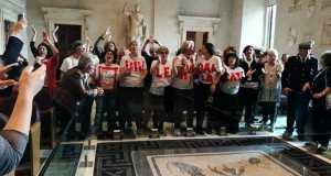 El colectivo feminista protesta por la decisión.