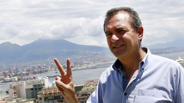 De Magistris enfrenta a Salvini.