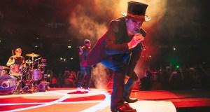 U2. (Oficial)