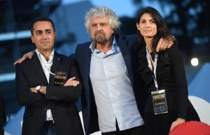 Luigi Di Maio, Beppe Grillo y Virginia Raggi del M5E.