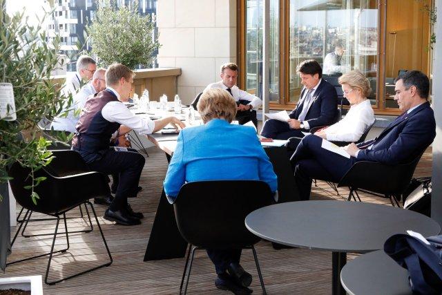 Conte, en una reunión de trabajo del Consejo Europeo (Foto: Twitter Pedro Sánchez @sanchezcastejon)