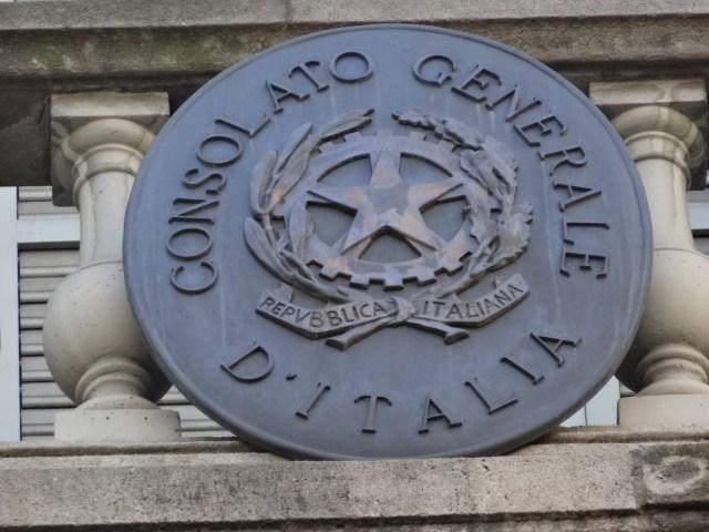 El voto en el exterior se ejerce a través de los consulados (Foto: Jordiferrer / CC BY-SA - Archivo)