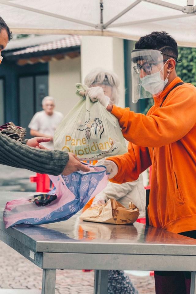 Las ONG brindan cada vez más asistencia alimentaria por la crisis del coronavirus (Foto: Facebook Pane Quotidiano)