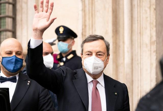 Mario Draghi al ingresar al Palacio Chigi (foto: Governo)