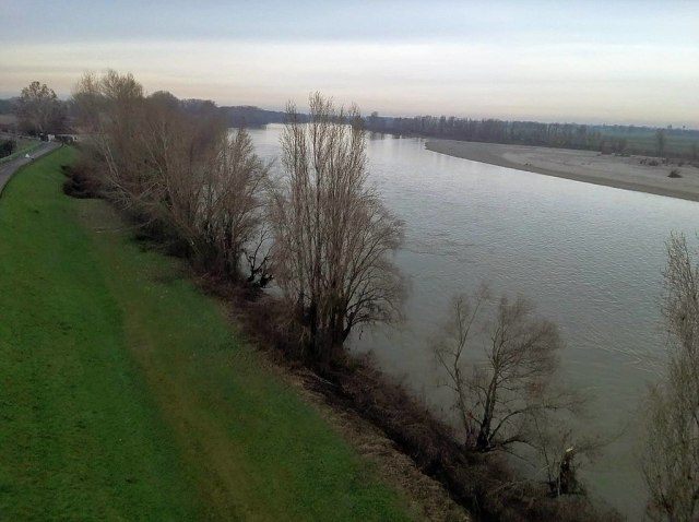 El río Po, en enero de 2021 en Piacenza (Foto: Alerove - CC 4 - Archivo)