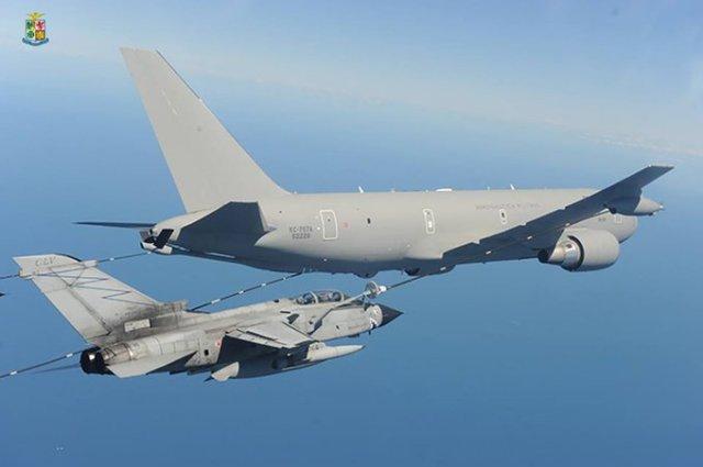 Avión Air Force Kc767.