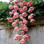 Un móvil de flores