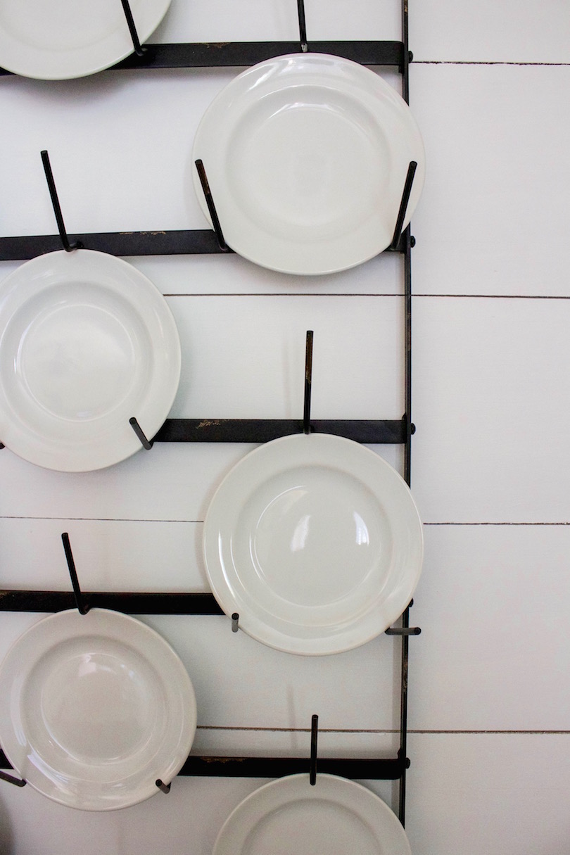 shiplap plate rack