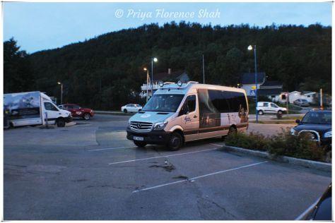 GuideGunnar Aurora Tour bus
