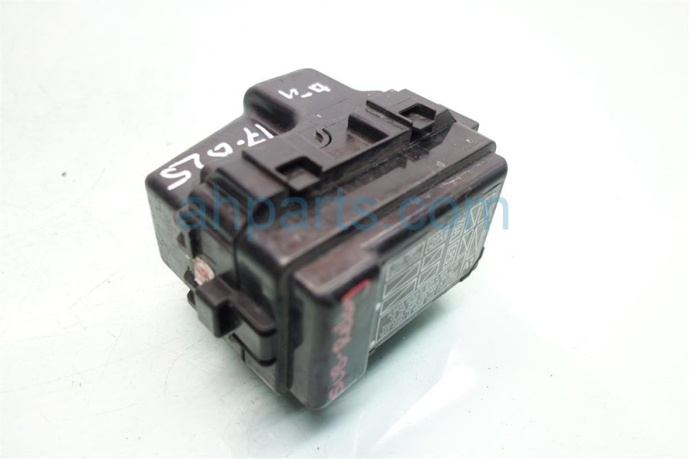 medium resolution of  2008 honda s2000 sub fuse relay box 38230 s2a a12 replacement