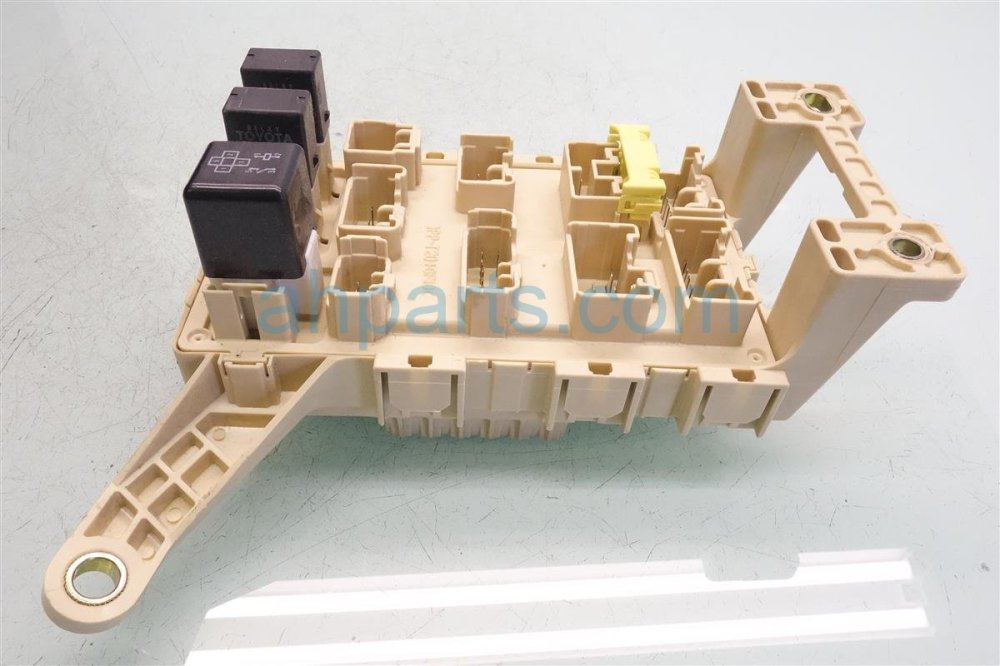 medium resolution of  2000 lexus rx300 instrument panel fuse box assy 82730 48022 replacement