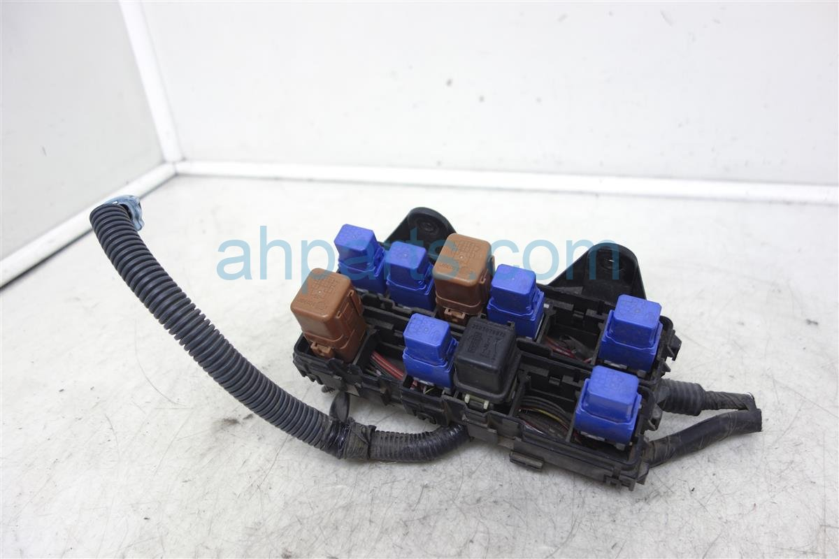 hight resolution of  2002 nissan pathfinder fuse housing relay box 24383 51e01 replacement
