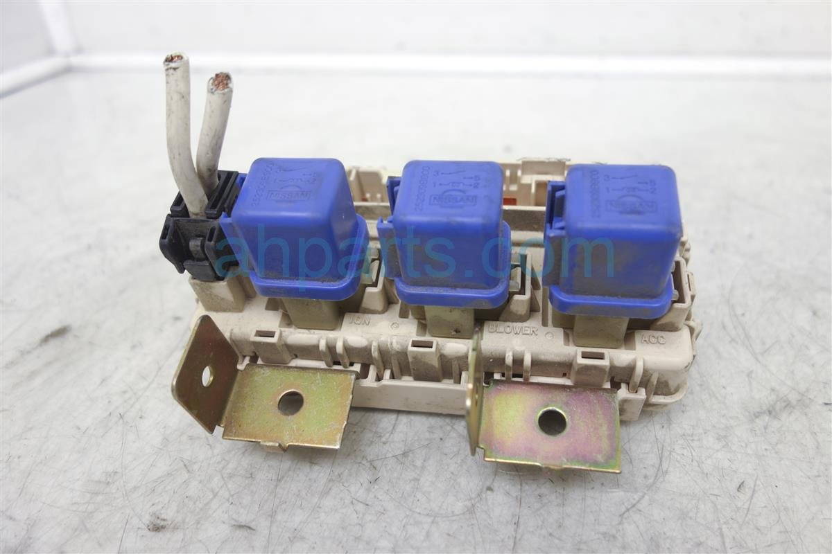hight resolution of 2004 nissan xterra fuse box block junction 24350 7z400 rh ahparts com 2000 xterra 2002 xterra