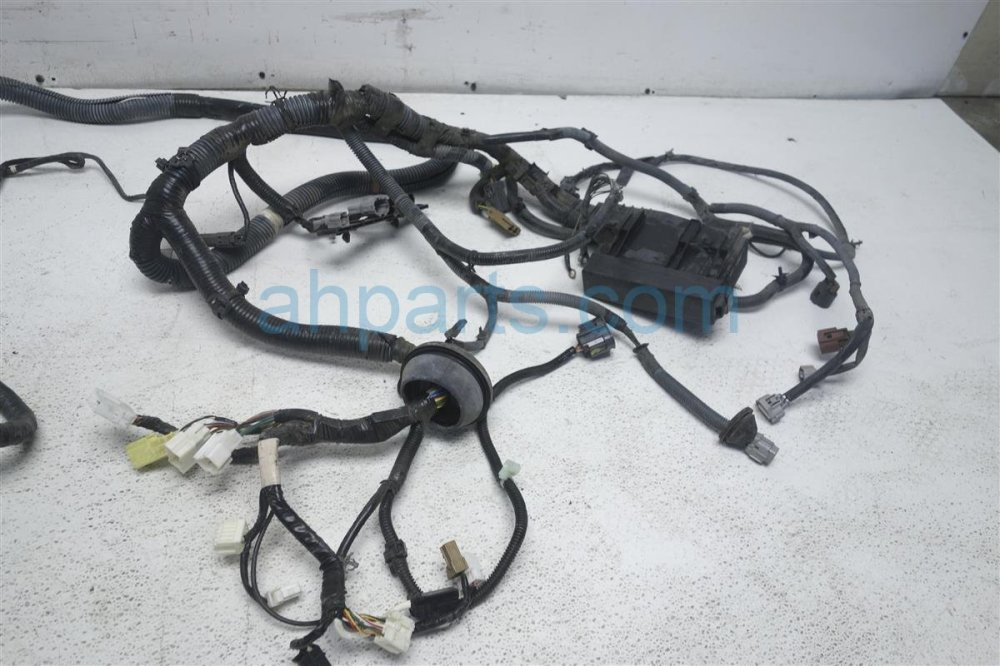 medium resolution of  2006 nissan quest engine room headlight harness 24012 zm00a replacement