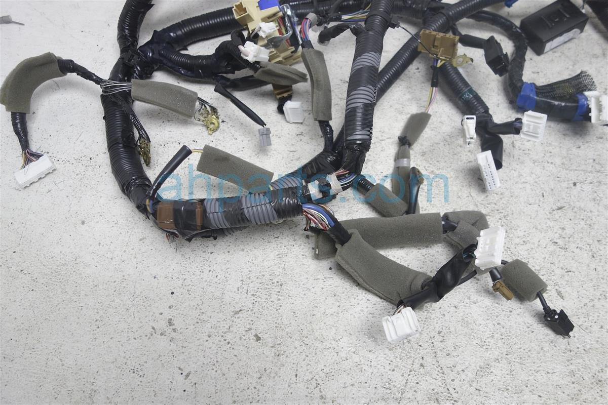 hight resolution of  2015 nissan versa main dash wire harness note 24010 9mb0a on 2015 ford versa