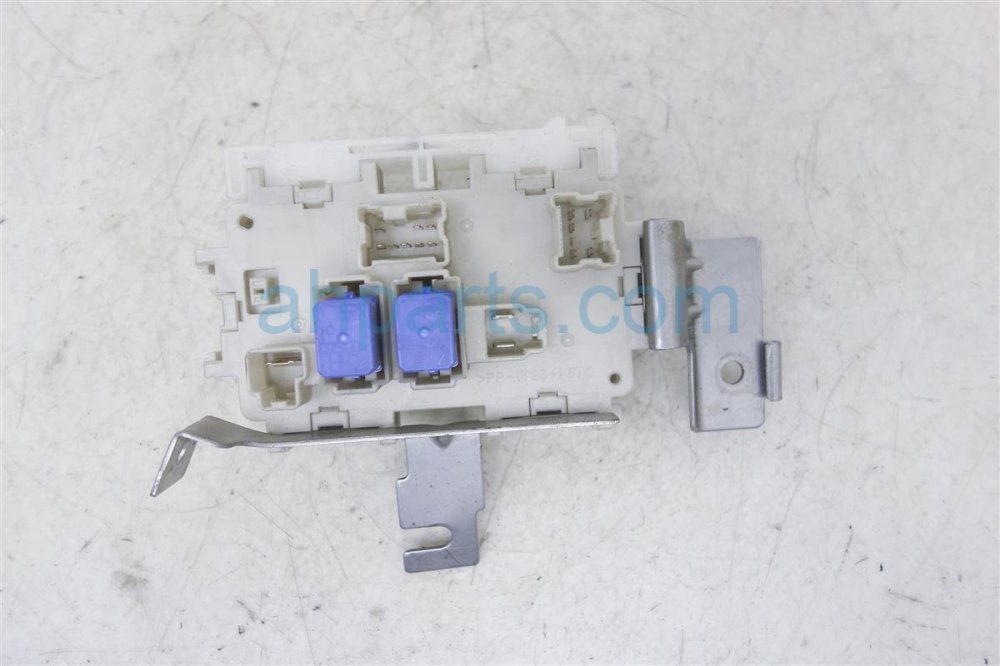 medium resolution of  2010 nissan sentra cabin fuse box 24350 zt50a replacement