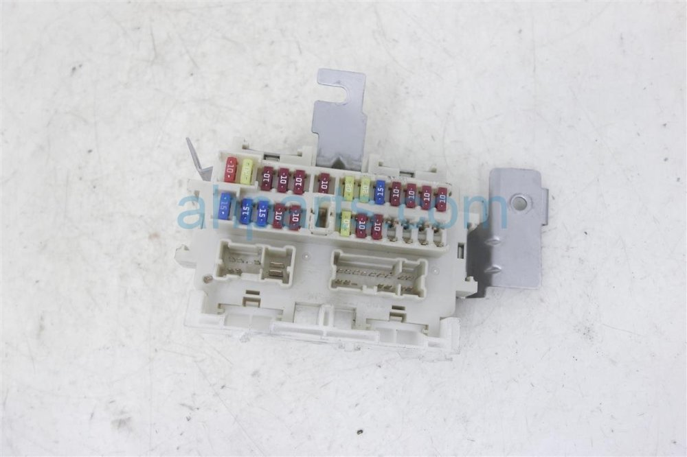 medium resolution of 2010 nissan sentra cabin fuse box 24350 zt50a2010 nissan sentra cabin fuse box 24350 zt50a replacement