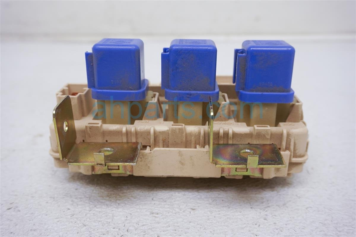 hight resolution of  2002 nissan xterra cabin fuse box assembly 24350 7z400 replacement