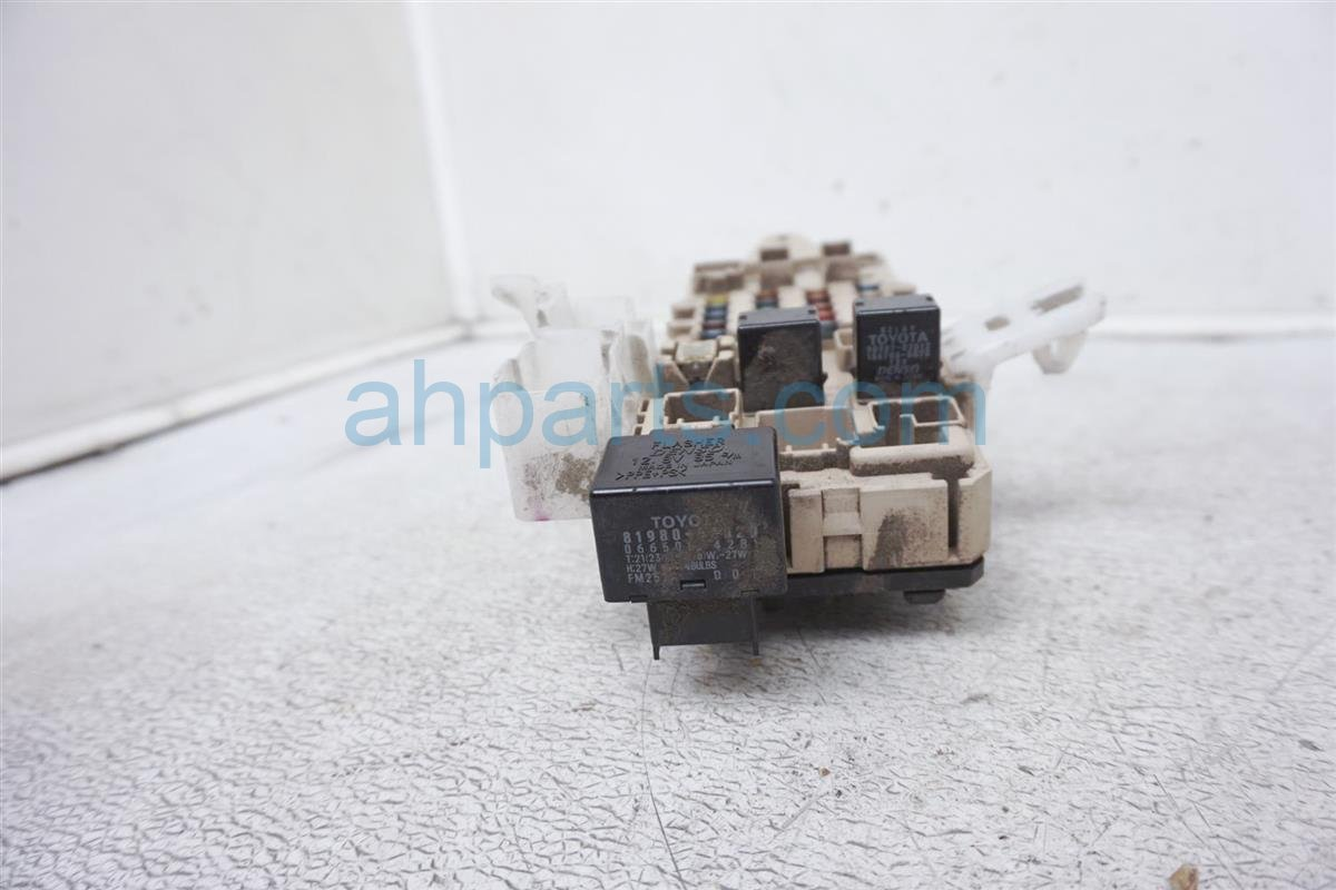 hight resolution of  1999 lexus gs 400 driver cabin fuse box 82731 30031 replacement