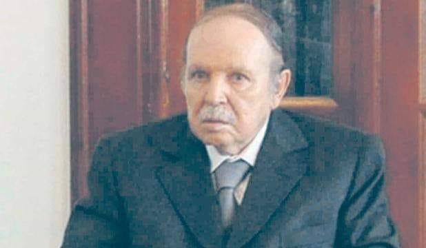 الرئيس الجزائري عبد العزيز بو تفليقة يعود إلى الجزائر