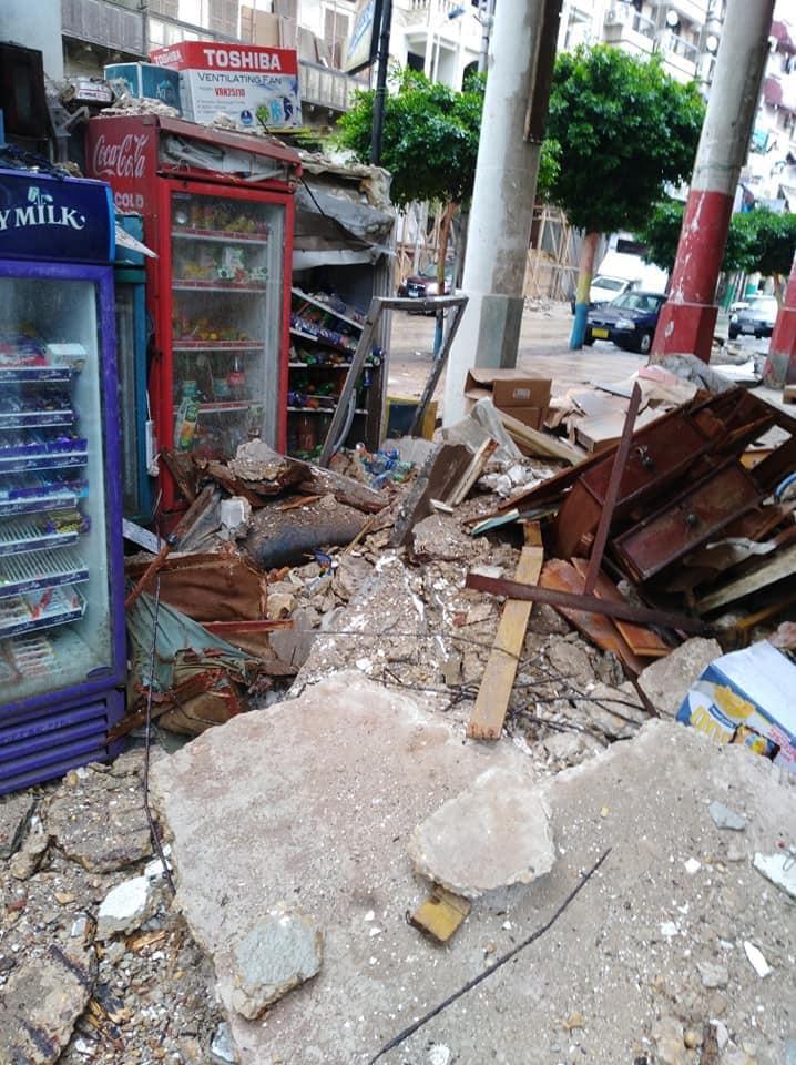 عاجل : انهيار جزئي لمنزل فوق سكانه في بورسعيد بسبب الأمطار