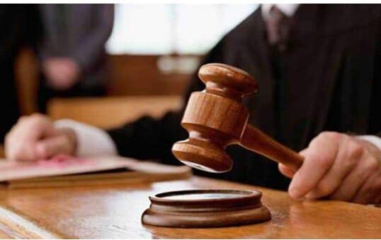 محكمة جنايات كفر الشيخ …السجن المشدد 10 سنوات علي فلاح لحيازة وتجارة مخدرات واسلحة نارية