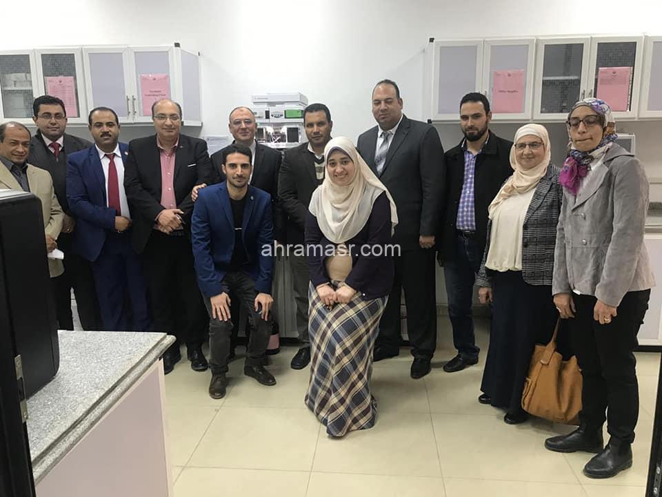 اعتماد أول معمل من نوعه في الجامعات المصرية معمل تحليل الأدوية و المستحضرات الصيدلية بكلية الصيدلة جامعة دمنهور من المجلس الوطني للاعتماد إيجاك  ISO/IEC 17025:2005
