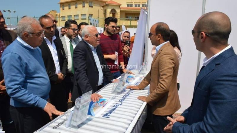 """محافظ بورسعيد يفتتح """"ملتقي بورسعيد للتوظيف"""" لتوفير 2000 فرصة عمل"""