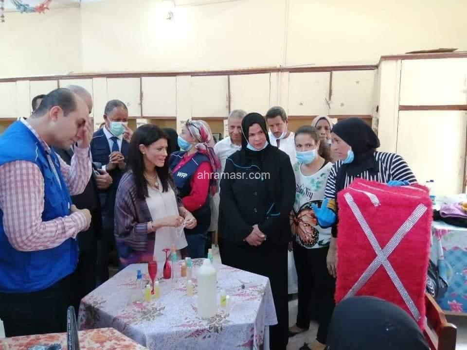 شهدت مدينة الطود جنوب الأقصر، اليوم الأحد ، زيارة وزيرة التعاون الدولي الدكتوره رانيا المشاط