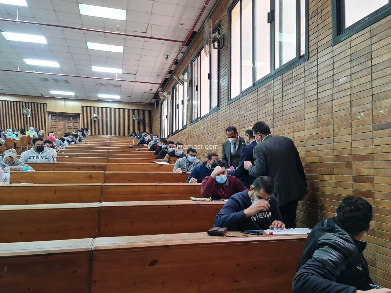 وسط إجراءات إحترازية مشددة بدء إمتحانات نصف العام بجامعة دمنهور