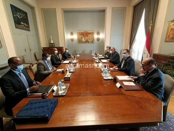 سامح شكري يستقبل كلا من وزيرى الشئون الخارجية ووزير شئون الرئاسة الصومالى