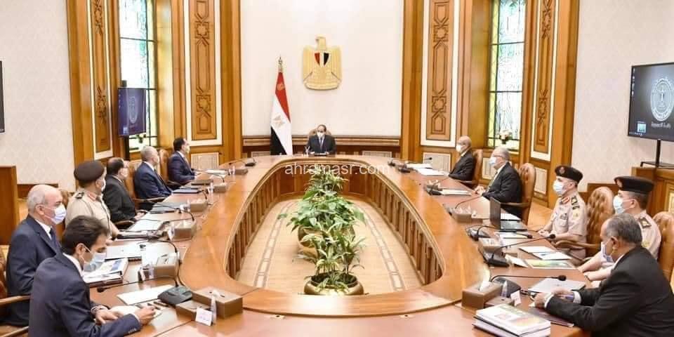 اجتمع الرئيس اليوم مع الدكتور مصطفى مدبولي ووزير الرى ووزير الزراعة ورئيس المشروعات القومية