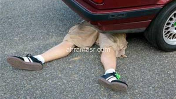 مصرع طفل دهسته سيارة على الطريق الدولي بجنوب سيناء