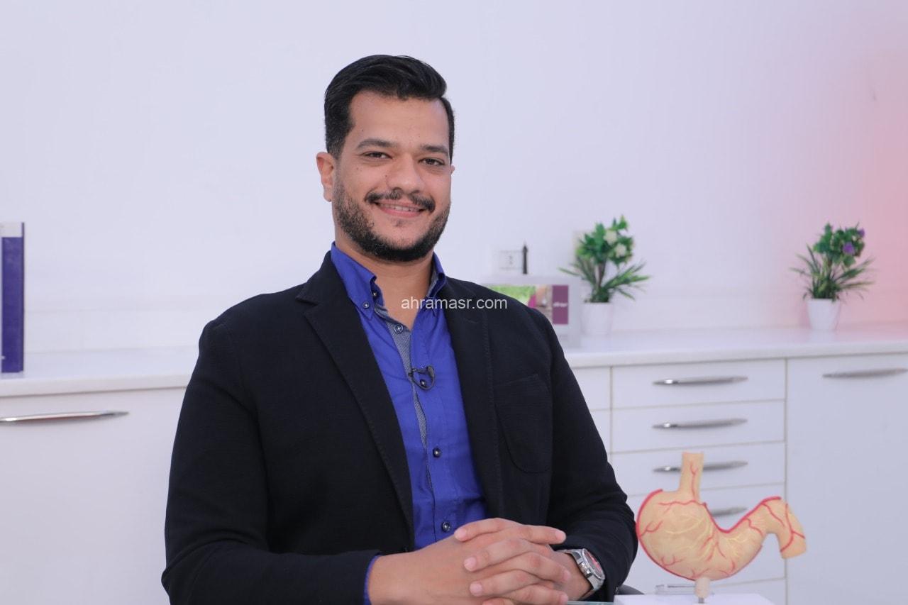 محمد الفولى يوضح كيف تتم عمليات تكميم المعدة بالمنظار