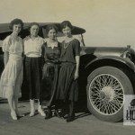 DEZ_129_Girls-and-Car-34