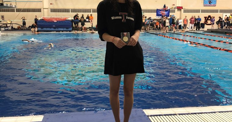 Senior Kailee Lusk sets records