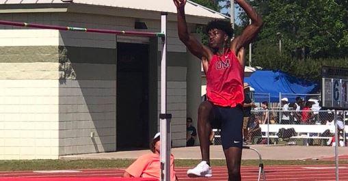 Oak Mountain's Trey Allen Clears 7 Feet to Win the MLK Classic High Jump