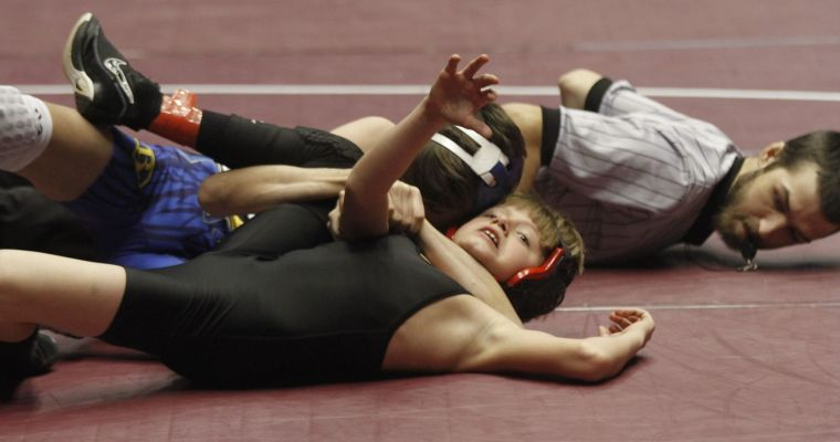 Thompson, Wetumpka, Alexandria Take Leads at AHSAA South Sectional Wrestling