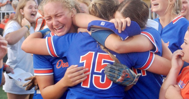 Orange Beach Wins 2A State Title on Seventh Grader's Game-ending Home Run